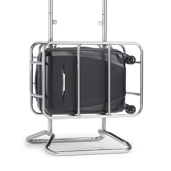 Samsonite Pursuit DLX Plus Spinner Carry-On in the color Black.