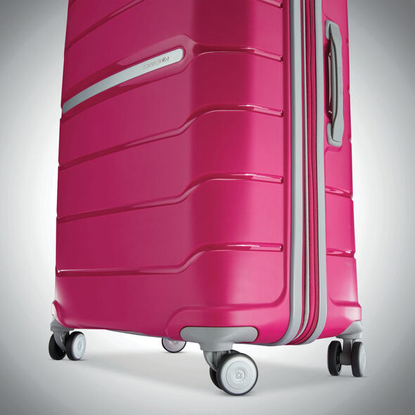 Samsonite Freeform 2 Piece Set (CCO & Lrg) in the color Pink.