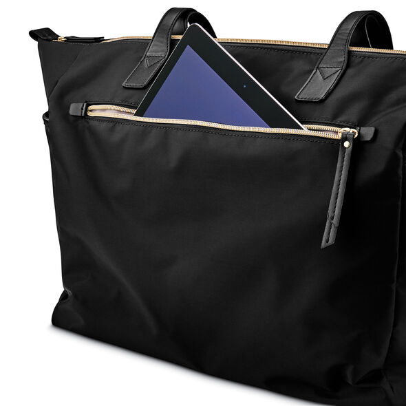 Samsonite Mobile Solution Deluxe Carryall in the color Black.