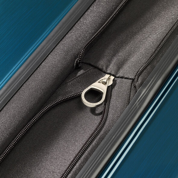 Samsonite Winfield 3 Fashion Spinner Large in the color Teal (Brushed).