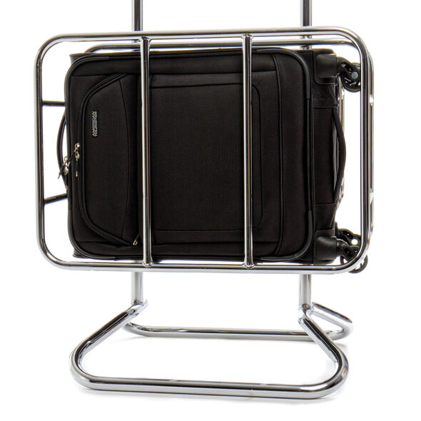 """American Tourister iLite Max 19"""" Spinner in the color Black."""