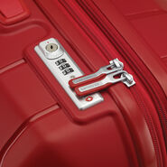 Samsonite Freeform Spinner Medium in the color Red.